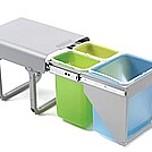 Kosz na śmieci potrójny EKKOFRONT3. Z mocowaniem frontu. Idealne zastosowanie do kuchni w dowolnym miejscu. Umożliwia wstępną segregację...