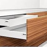 Zestaw elementów do wykonania szuflady WEWNĘTRZNEJ Tandembox Intivo z hamulcem BLUMOTION. Do samodzielnego montażu. Bok M=83mm Długość prowadnic 500mm...