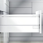 Zestaw elementów do wykonania szuflady Tandembox ANTARO z TIP-ON (otwieranie bez uchwytów poprzez naciśnięcie) bok M plus 1 reling kwadratowy i element...