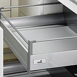 Sprzedawany zestaw zawiera: 1. InnoTech Internal pot-and-pan drawer set 100, 470 / 144, kolor srebrny 2. Front Advanced 3. Reling poprzeczny do samodzielnego...