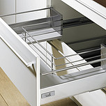 Sprzedawany zestaw zawiera:1. InnoTech Pot-and-pan drawer set, 470 / 144, kolor srebrny2. Element mocujący front do relingu wzdłużnego z kołkiem...