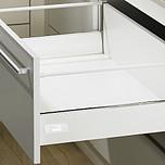 Sprzedawany zestaw zawiera:1. InnoTech Szuflada z relingiem, kpl., 470 / 176, kolor biały2. Quadro V6+ Silent System 470, EB 10.5 mm---------------------1....