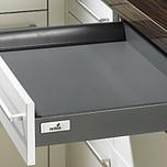 Sprzedawany zestaw zawiera:1. InnoTech 470 mm Schubkasten/Innenschubkasten2. Quadro V6 Push to open 470 mm, EB 10.5 mm---------------------1. InnoTech 470 mm...